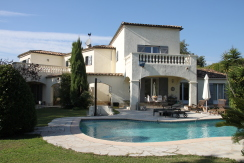 Haus mit Swimmingpool im provenzalischen Stil in St. Paul de Vence