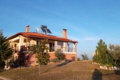 Freistehendes Landhaus in  Park- und Poolanlage in herrlicher Panoramalandschaft Nähe Thessaloniki und Chalkidiki