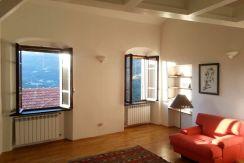 Stilvolle Maisonettewohnung mit weitem Meerblick bei San Lorenzo al Mare