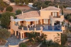 Villa mit phantastischem Meerblick und eigenständiger Wohnung