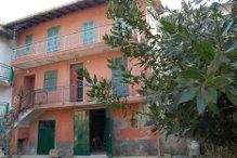 Ein- oder Zweifamilienhaus in Castelletto d`Orba (Alessandria)