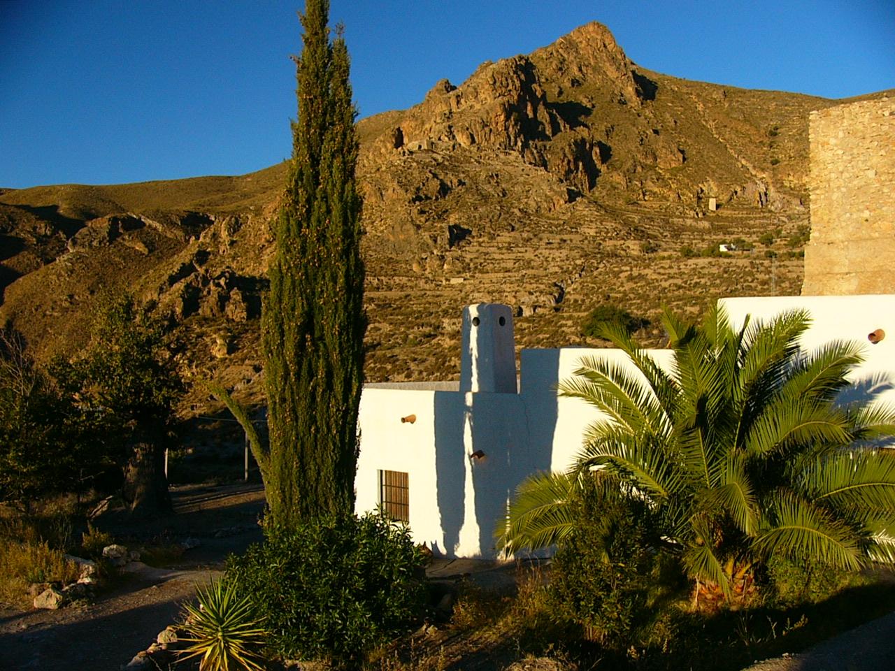 Ehemalige alte Wassermühle in Andalusien mit Meerblick und eigenen Wasserrechten – Erfüllung südlicher Sehnsüchte!