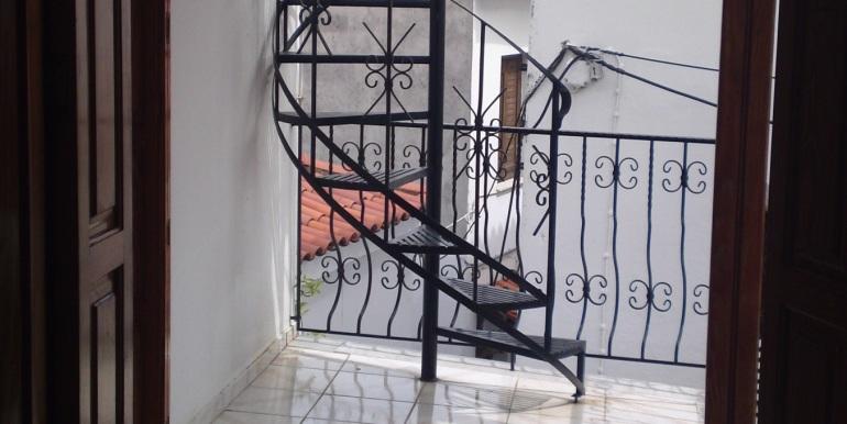 9 - Treppe zur Terrasse