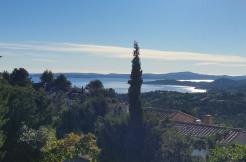 Villa mit Schwimmbad und traumhaften Meerblick